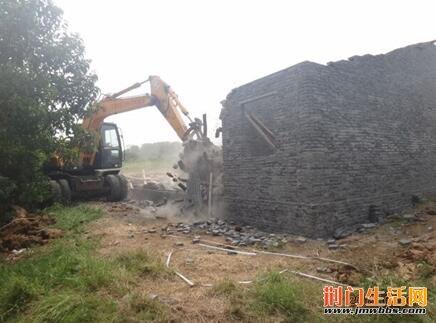 高新区强势出击拆除抢建房屋近600㎡