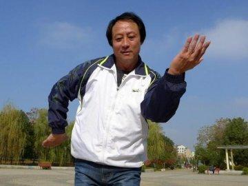 """农民""""摇滚王""""记京山""""民间艺人""""秦超"""