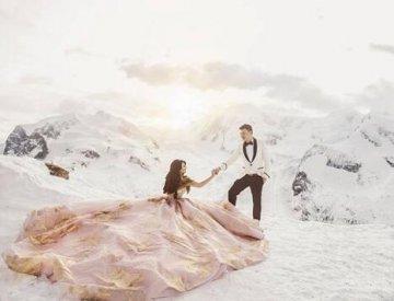 浪漫冬季外景婚纱照 冰雪童话不是梦