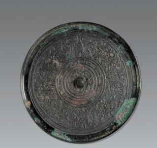 西汉简化蟠螭纹镜