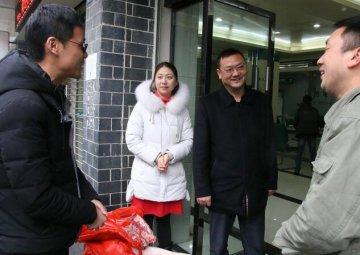 木鱼镇党委政府慰问电力人