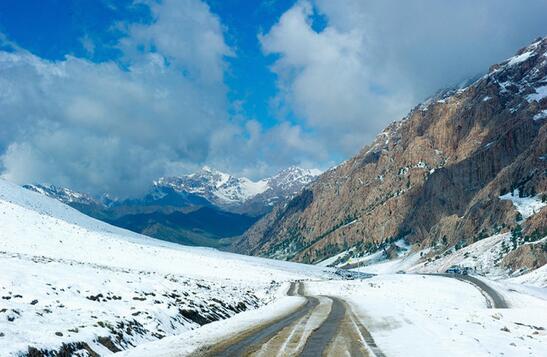 青海高原上罕有人知的绝美秘境,半小时历经春夏秋冬